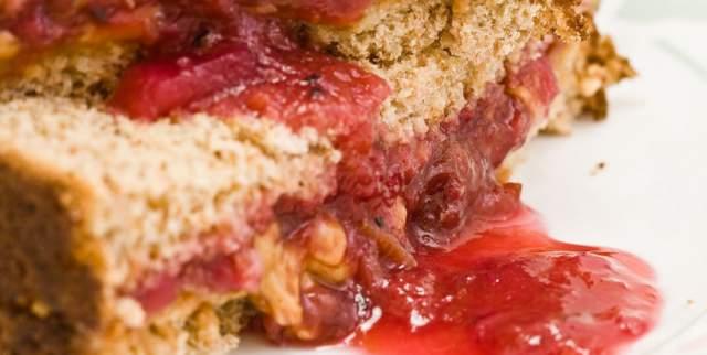 peanut-butter-jelly-sandwiche