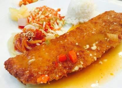 almond-crusted-salmon