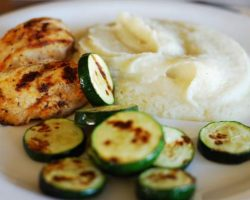 chicken-and-baked-zucchini-with-white-sauce