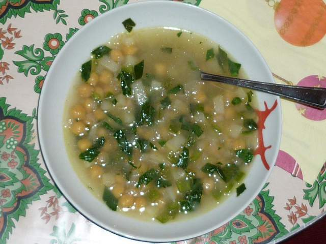 go-green-spinach-and-white-bean-soup