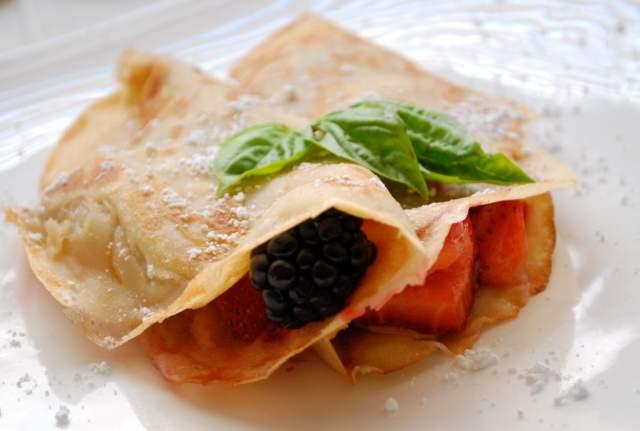 fruits-and-yogurt-rollups