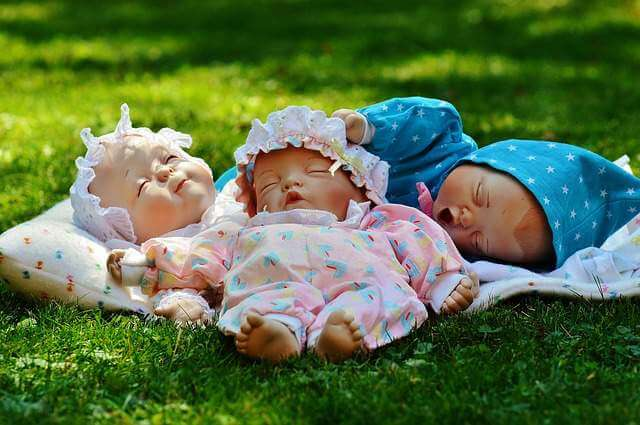 babies sleeping garden - The Amazing Health Benefits of Gardening