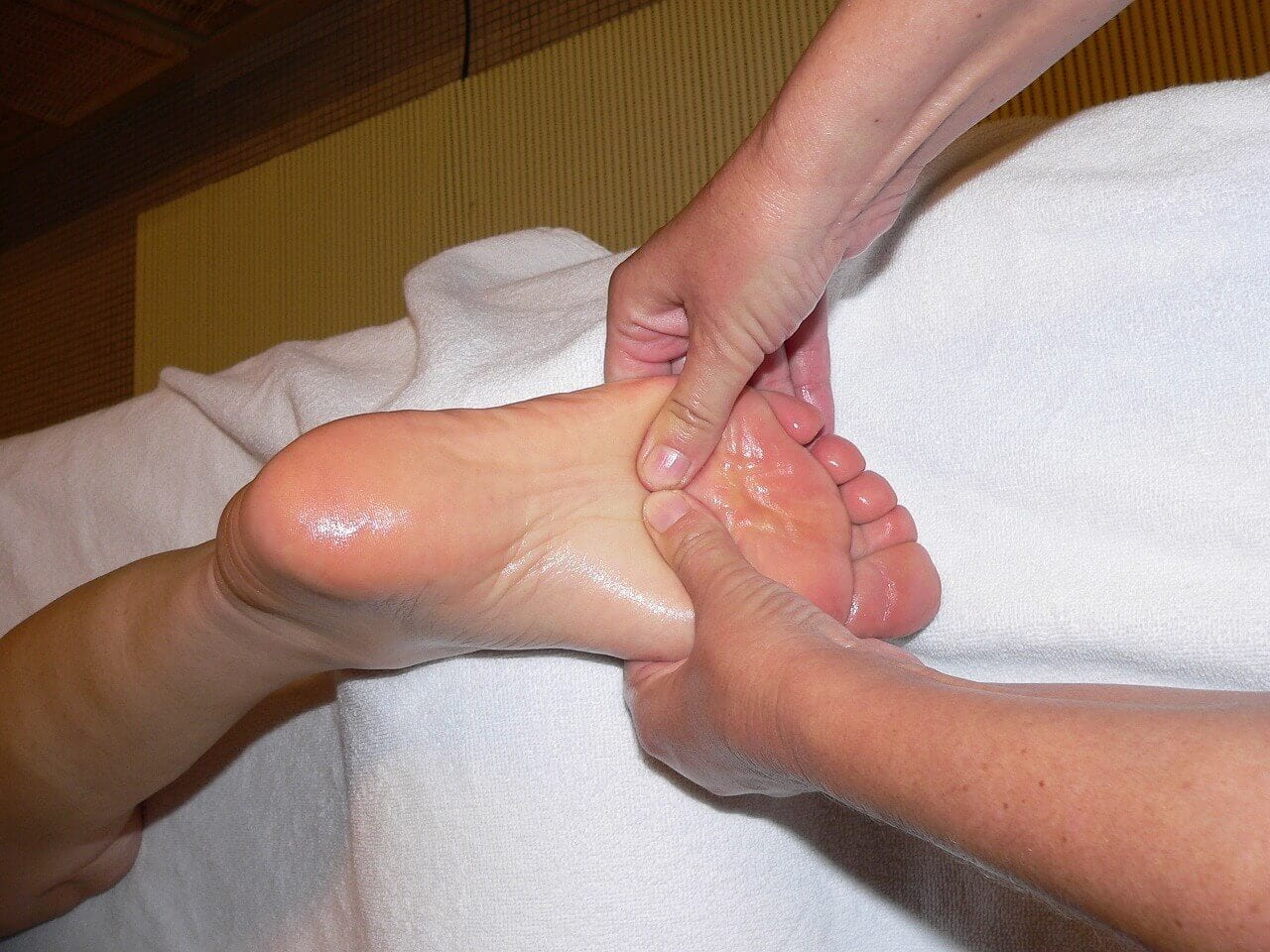 Foot Massage - 10 Health Benefits of taking a Foot Massage
