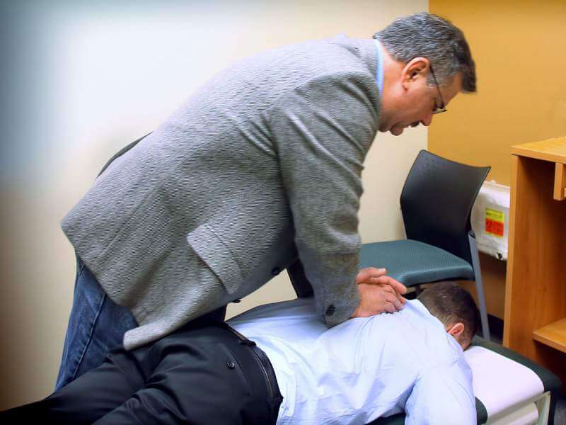 Chiropractic_spinal_adjustment