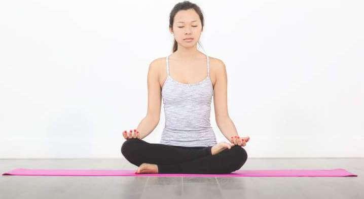 woman-yoga-mat-meditation