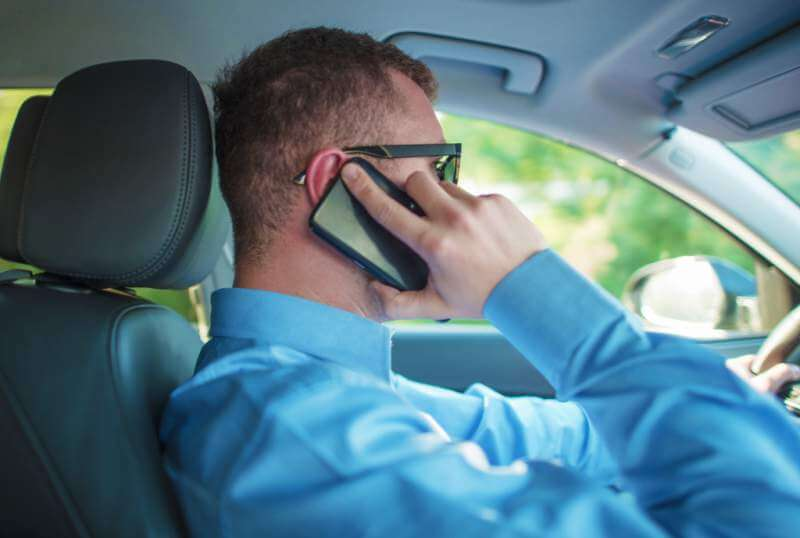 talking-by-phone-while-driving