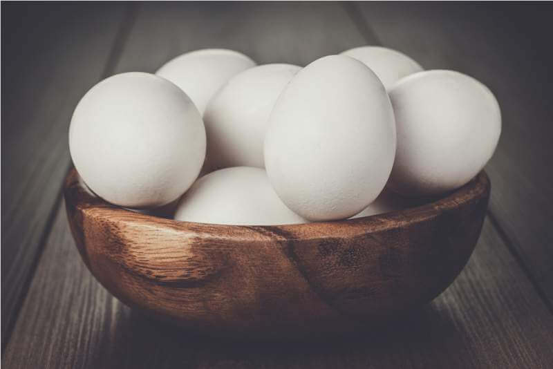 eggs-in-wooden-bowl-on-the-table