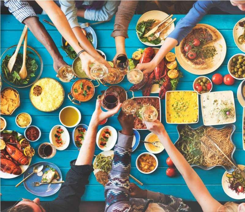 friends-happiness-enjoying-dinning-eating
