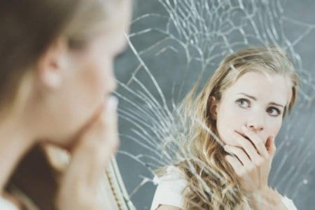 girl-and-broken-mirror