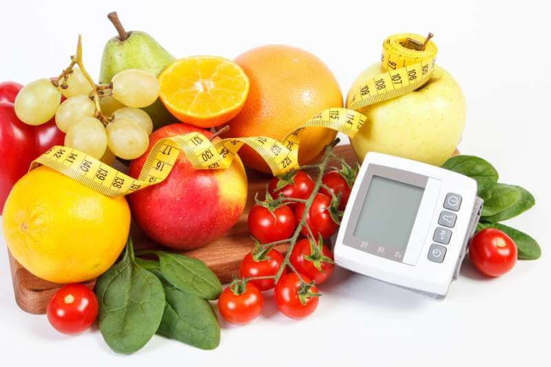 blood-pressure-monitor-fresh-fruits