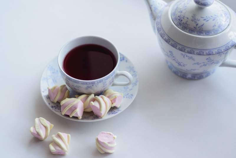 tenderness-concept-marshmallow-and-hot-cup-of-red
