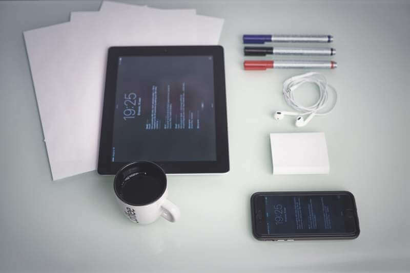 smartphone-and-tablet-on-a-table