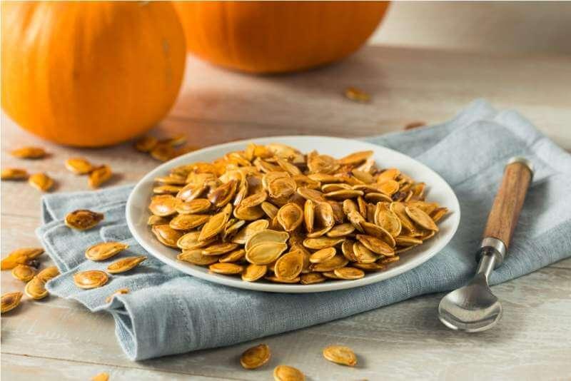 homemade-roasted-spiced-pumpkin-seeds