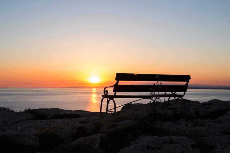 sunset-beach-and-bench