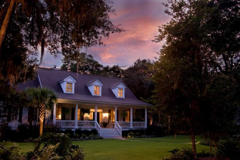 classic-home-at-sunset