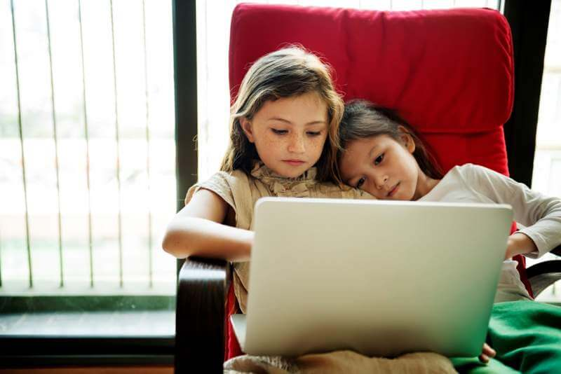 girls-friends-laptop-using-concept
