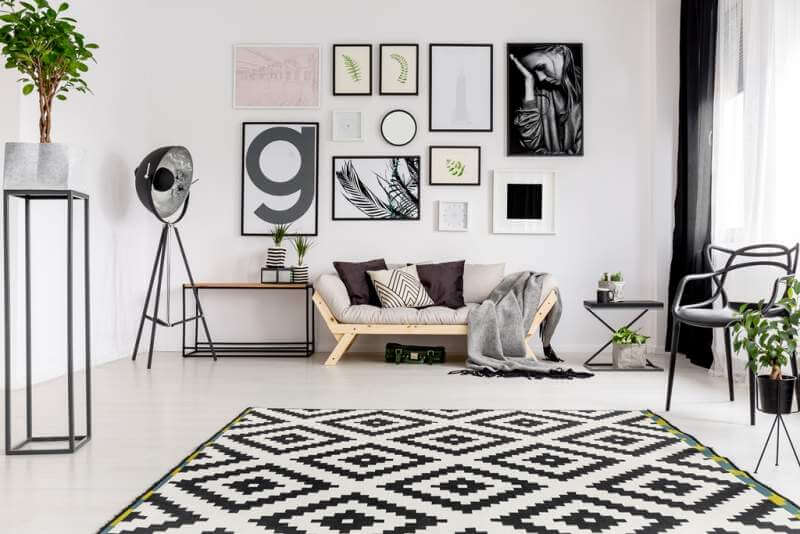 geometrical-rug-in-living-room
