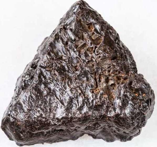 raw-hematite-stone-on-white