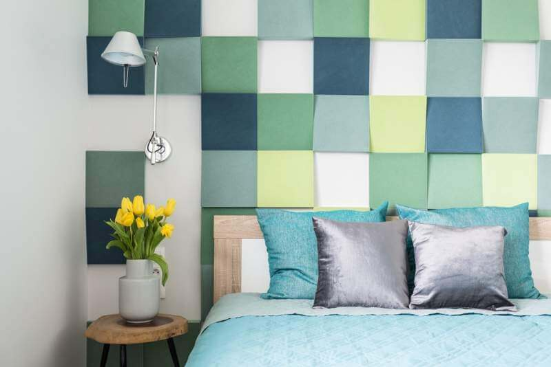 colorful-bedroom-interior-with-tulips