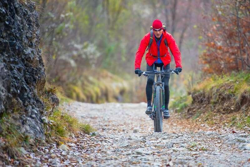 biker-with-mountain-bike