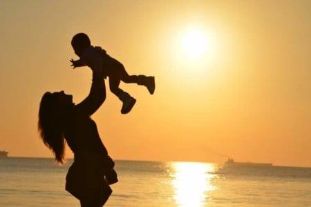 baby-babysitter-babysitting