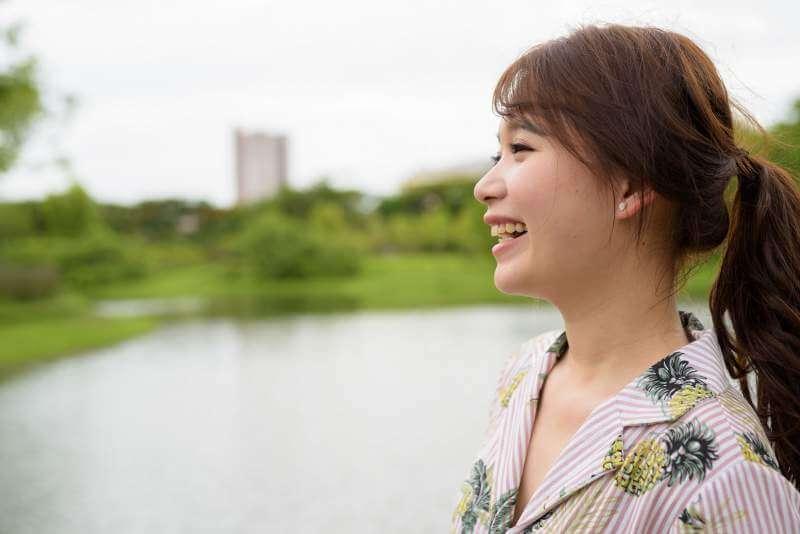 nose-job-asian-girl-smiling-profile