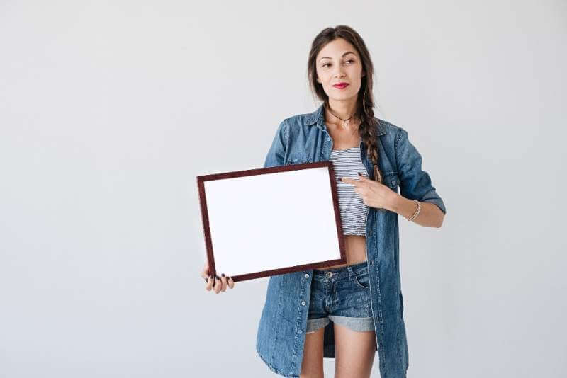 woman-with-advertising-frame