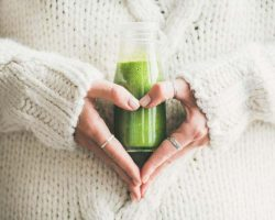 winter-seasonal-smoothie-drink-detox-in-bottle