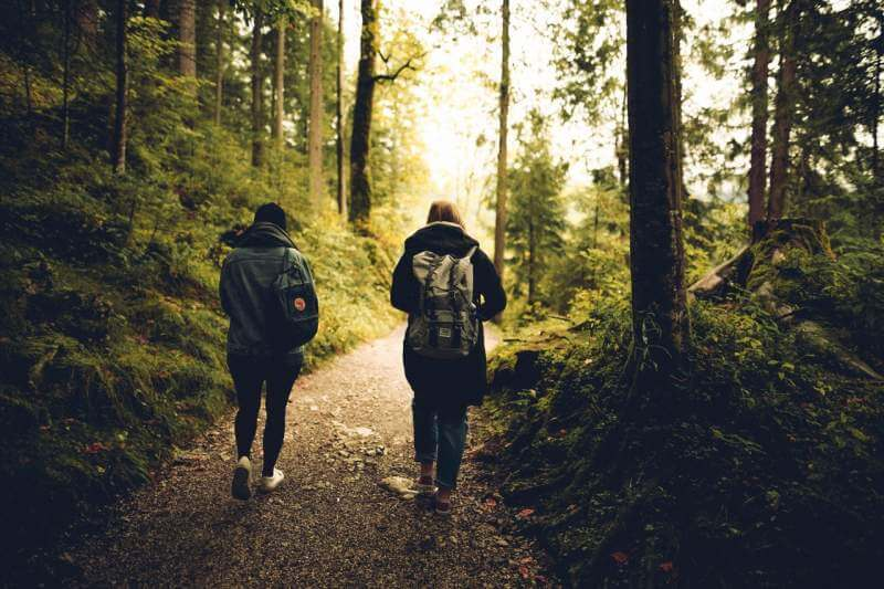 hiking-young-people