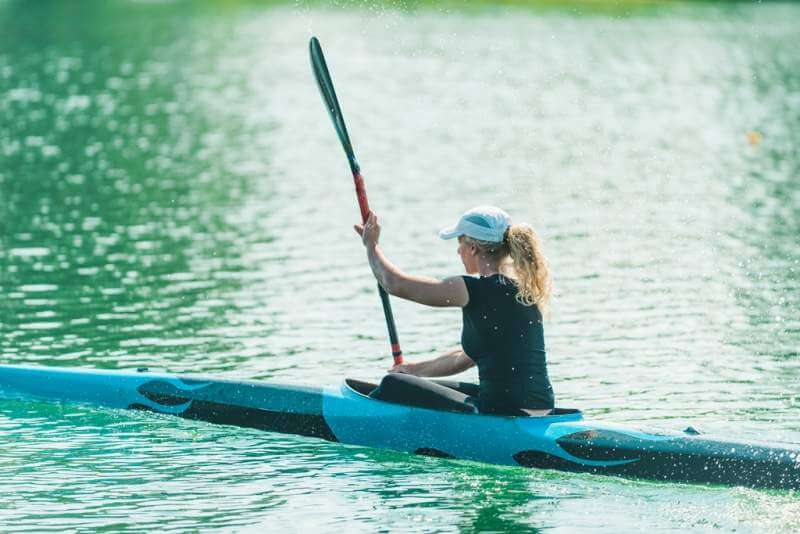 kayak-female-kayaker-training