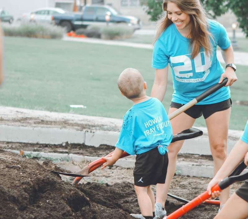 Mom-son-gardeningwork