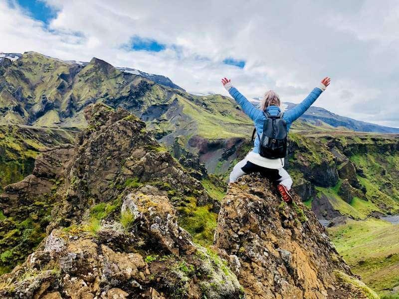 Mountain-climb-women