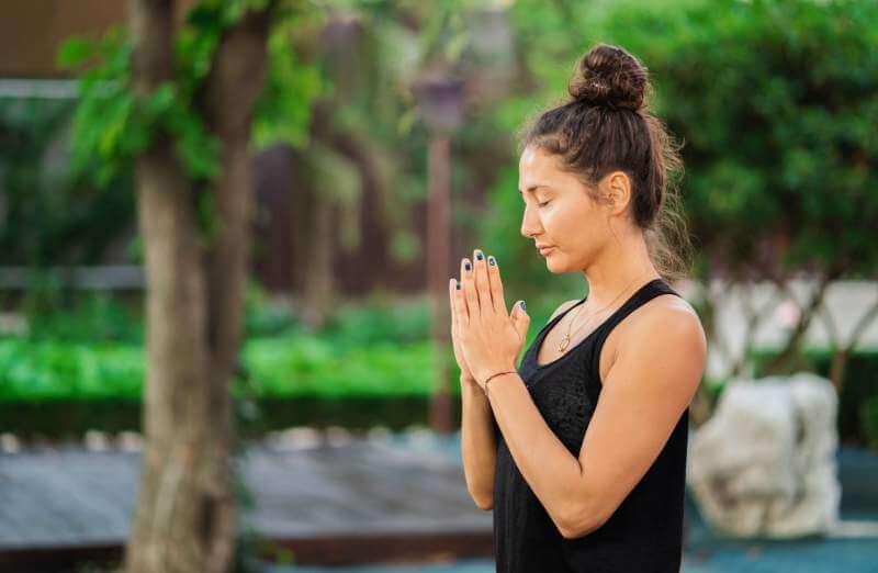 pretty-woman-practicing-yoga