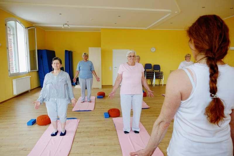 senior-yoga-class