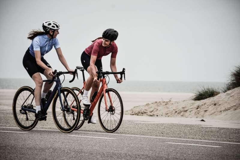 women-cyclying