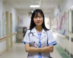 anesthesia-doctor-female-stethocope